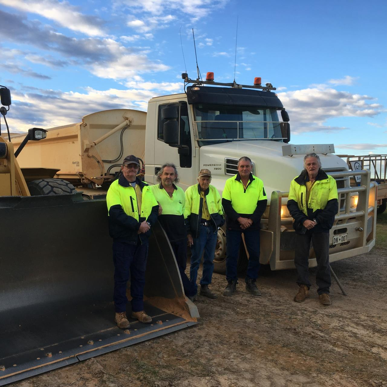 SHIRE OF DANDARAGAN ROAD CREW FEATURED IN NATIONAL MAGAZINE
